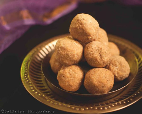 Besan ke Ladoo Recipe | How to make Besan Ladoo at Home